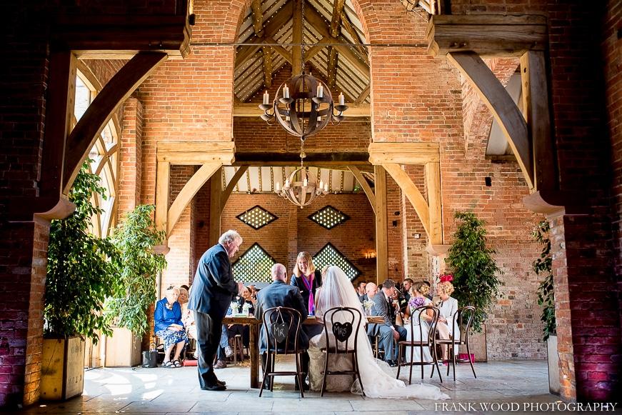 shustoke-barn-wedding-photographer027